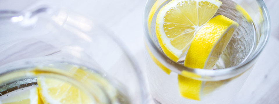 Water With Lemon, a Nourishing Drink